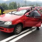 Bărbat ucis pe DN 74 de un copac căzut peste mașina în care se afla