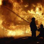 Incendiu la o anexă gospodărească din Feneș provocat de un conductor electric dezizolat