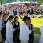 """Şapte comunităţi locale s-au întrecut în prima etapă a concursului """"Cultură pentru Cultură"""" – 2017, organizată în Poiana Narciselor de la Negrileasa"""
