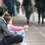 Dosar penal pentru o femeie de 36 de ani din Zlatna, după ce a fost surprinsă cerșind pe Bulevardul Revoluției din Alba Iulia