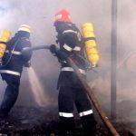 Intervenție a pompierilor din Alba Iulia pentru stingerea unui incendiu izbucnit la o anexă gospodărească situată pe strada Șipotului din Zlatna