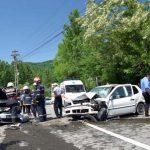Trei persoane rănite au fost transportate la spital după o coliziune între două autoturisme petrecută pe DN 74, la Poiana Ampoiului